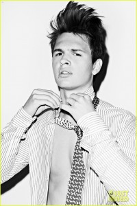 Why thank you, Just Jared, for this Ansel Elgort picture.