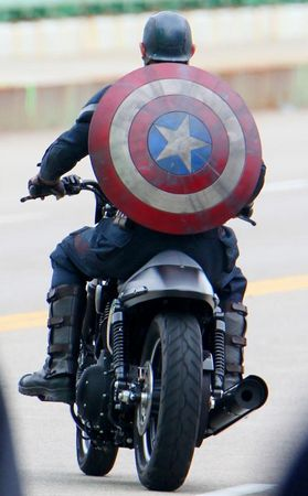 http://photos.cleveland.com/4501/gallery/captain_america_the_winter_soldier_day_25/index.html#/7