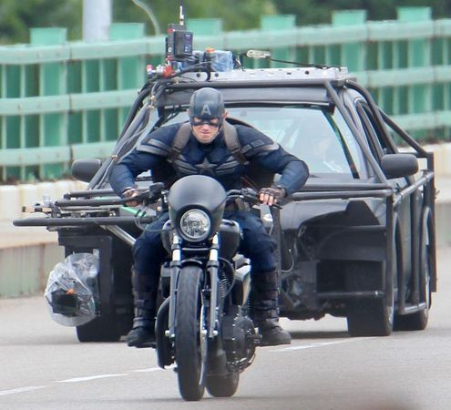 http://photos.cleveland.com/4501/gallery/captain_america_the_winter_soldier_day_25/index.html#/11