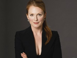 http://www.myfilmviews.com/wp-content/uploads/2012/12/julianne-moore2.jpg